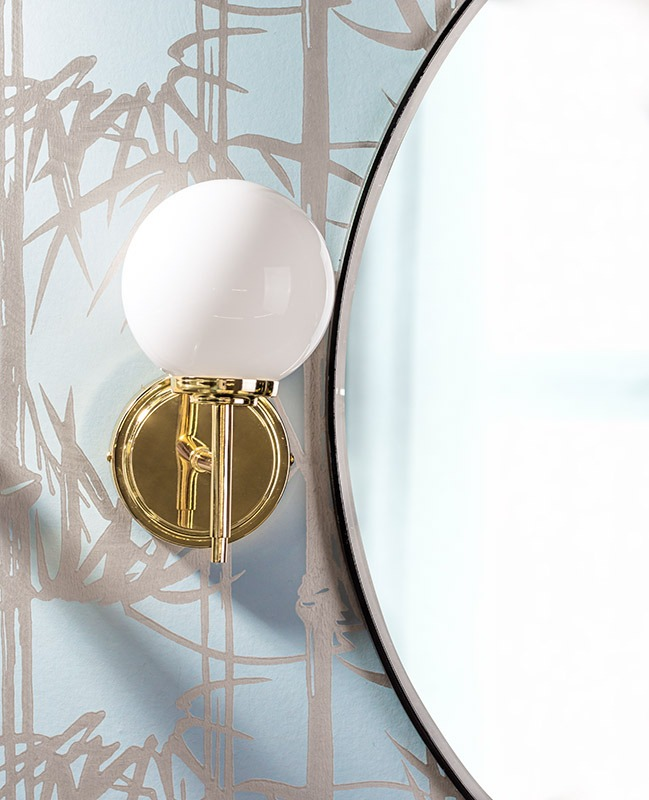 Douro Bathroom Wall Light in Brass